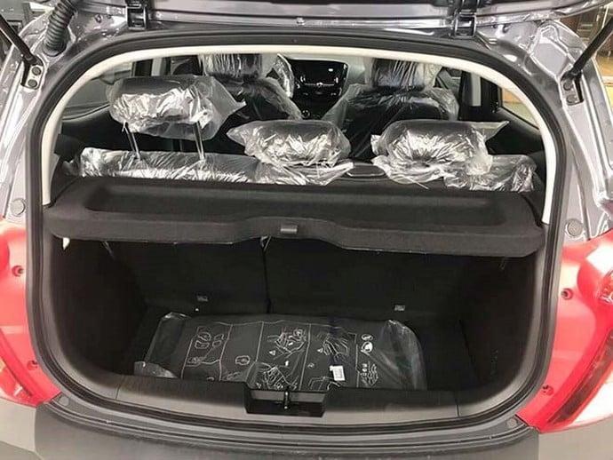 Khoanh hành lý ô tô Fadil