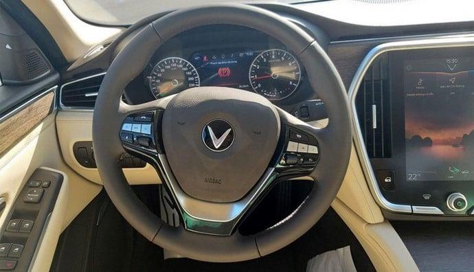 Vô lăng VinFast Lux A2.0