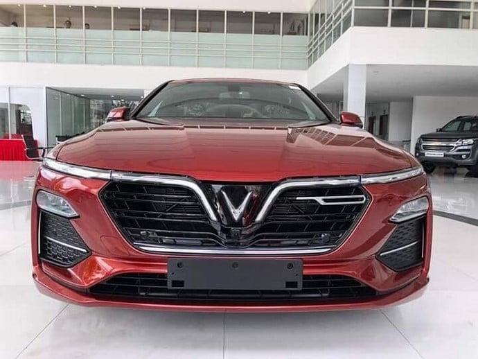 Phần đầu xe VinFast Lux A2.0