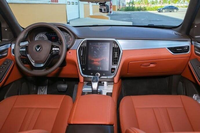 Nội thất bên trong xe VinFast Lux SA2.0