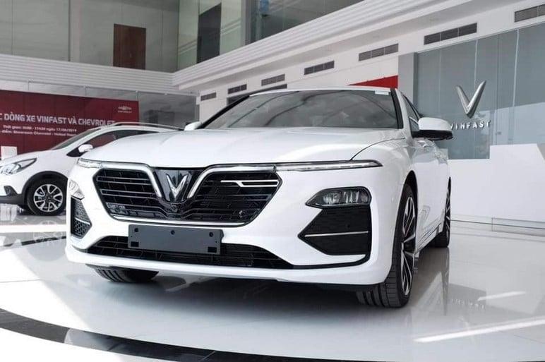 Đánh giá trang bị an toàn của xe VinFast Lux A2.0