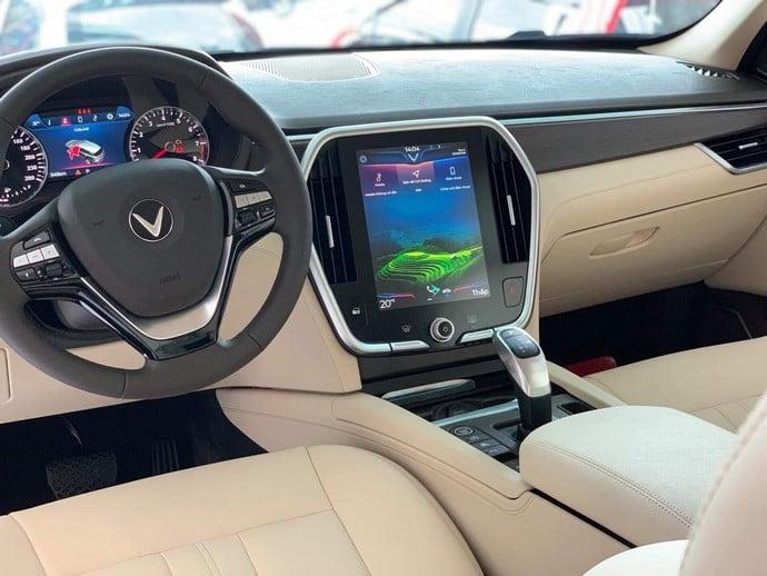 Cận Cảnh Nội Thất Của Xe VinFast Lux SA2.0