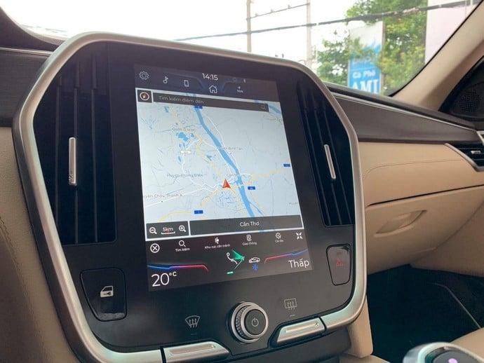 Màn hình điều khiển được trang bị trên VinFast Lux SA2.0