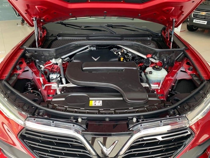 Cận cảnh động cơ của VinFast Lux SA2.0