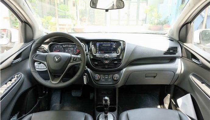 Nội thất bên trong của VinFast Fadil Hatchback AT 1.4L Bản Tiêu Chuẩn