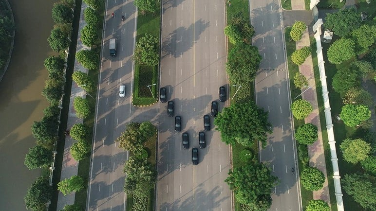 Bàn giao ô tô VinFast Lux