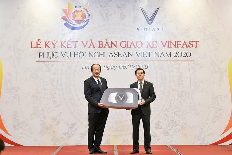 Ô Tô VinFast Lux Sử Dụng Cho Hội Nghị Asean 2020