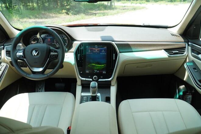 Trải Nghiệm Vận Hành Của Ô Tô VinFast Lux SA2.0