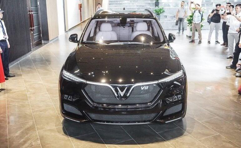 Lộ Diện Dòng Xe VinFast Lux V8 Mạnh Mẽ