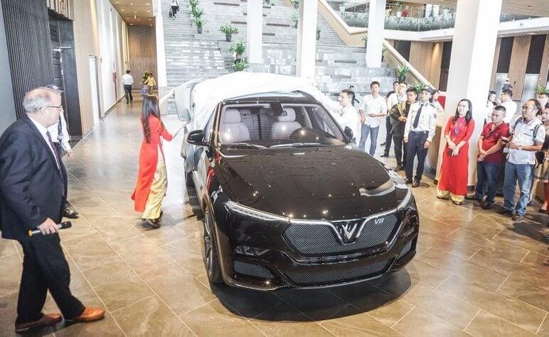 Phần ngoại thất đầu xe VinFast Lux V8