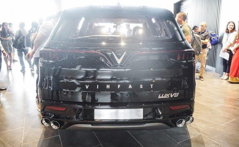 Phần ngoại thất đuôi xe VinFast Lux V8