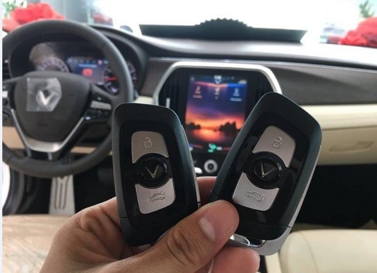 Mua xe ô tô VinFast Lux SA2.0 khuyến mãi