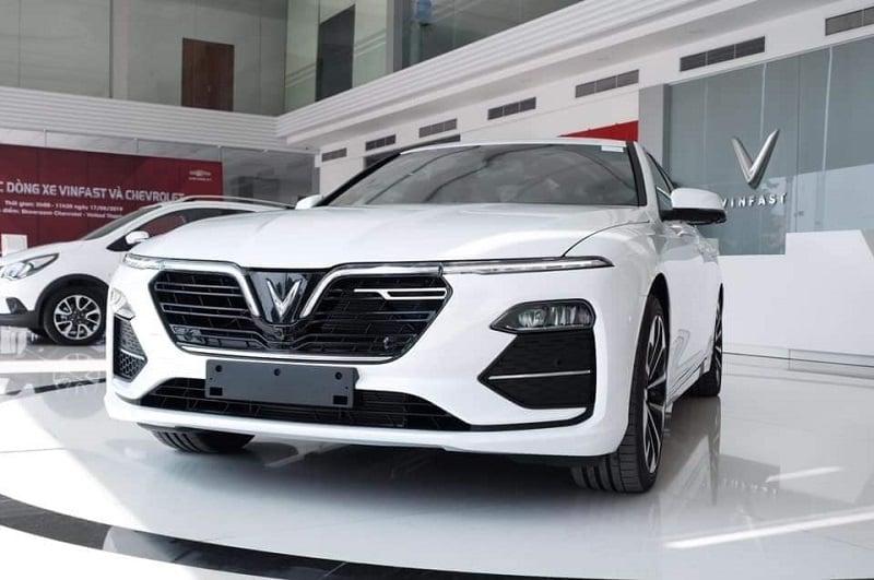 Xe ô tô Lux A2.0