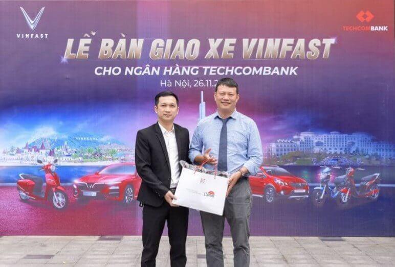 Bàn Giao 30 Xe VinFast Lux A2.0 Cho Ngân Hàng Techcombank