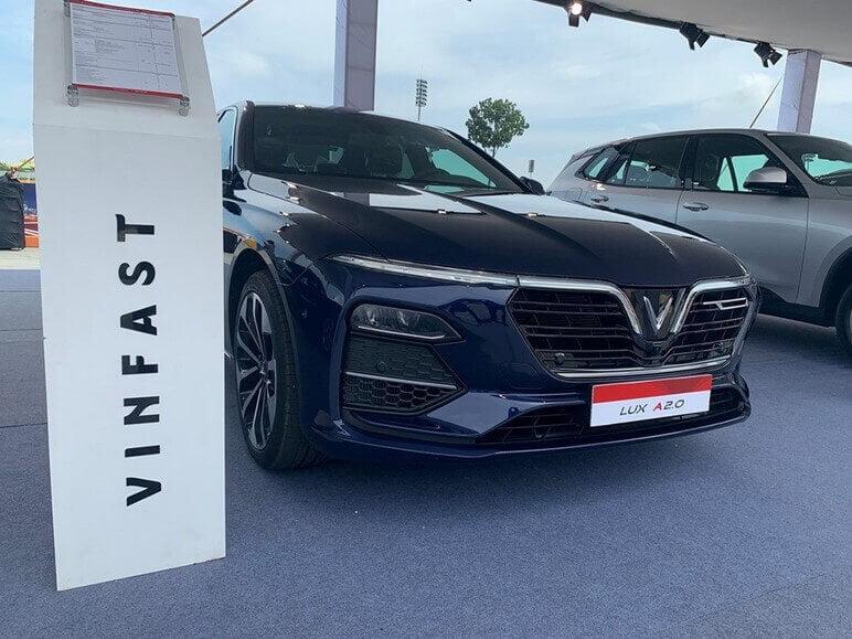 Cập Nhật Giá Xe VinFast Lux A2.0