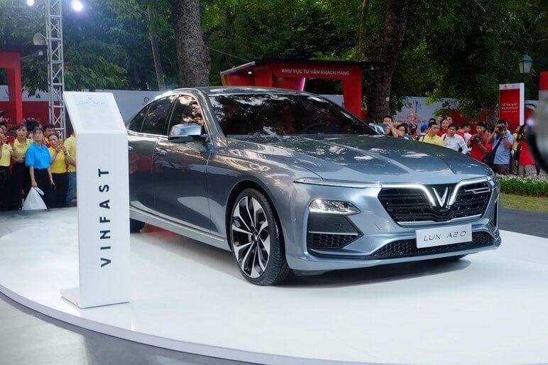 Giá Xe Ô Tô VinFast Lux A2.0 Tháng 01/2020