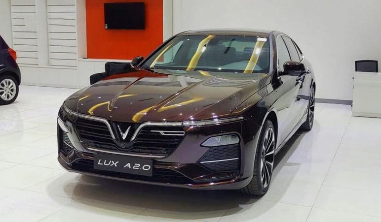 So Sánh VinFast Lux A2.0 Với Mercedes C200 2020