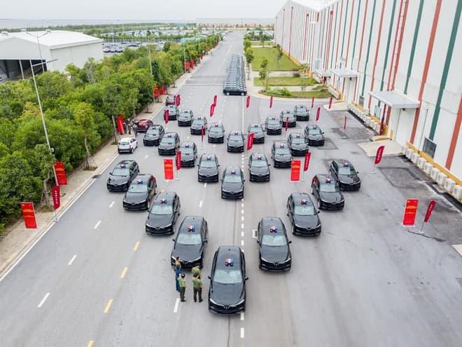 70 chiếc xe SUV do hãng xe ô tô Việt Nam sản xuất