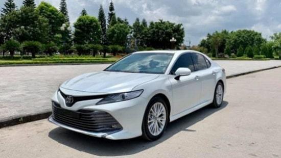 Toyota Camry: Doanh số đạt 5.406 chiếc