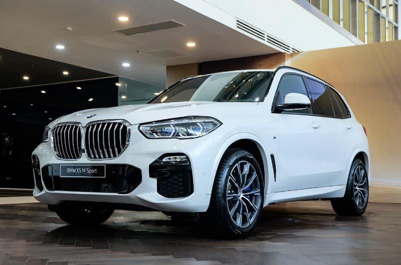 Ngoại thất SUV VinFast President và BMW X5 M Sport