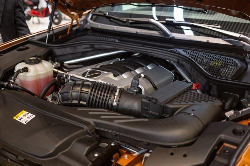 So sánh SUV VinFast President và BMW X5 M Sport 2