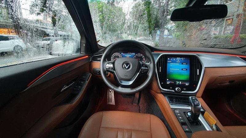 Dự tính chi phí sử dụng xe VinFast Lux A2.0
